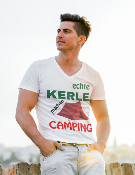 T-Shirt / real guys go camping in tents